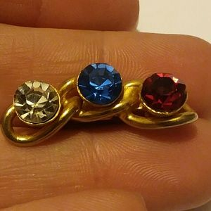 Vintage 3 Stone gold tone pine,Clear,Blue and Red